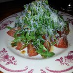 Spicy tomato salad with arugula