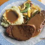 Luncheon Meatloaf w/Mashed Potatoes & Veggies