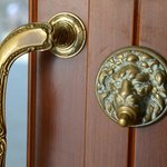 Details everywhere are lovely.  Even the doorbell!