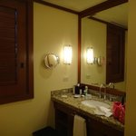 Bathroom  1 bdrm Canopy Suite