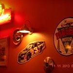 صورة فوتوغرافية لـ Speedway 805 Grill & Bar