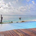 Infinity Pool, Pongwe Beach