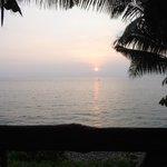 Sonnenuntergang auf Bungalowterasse