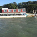 Hotel vu de la lagune