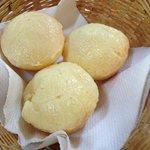 Café da manha, pao de queijo quentinho