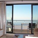 Blick vom Wohnzimmer auf das Meer