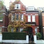 Photo de 108 Streathbourne Road