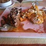 lomo a la pimienta con papas rusticas