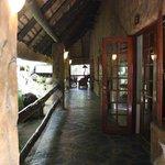 dall'ingresso, la vista delle prime camere
