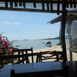 La salle à manger directement sur la plage