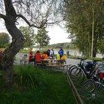 Uma das paradas para lanche ao lado da Ciclovia do Danúbio