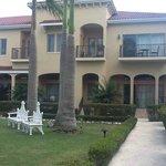 2 story garden villa - HUGE!