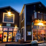 Public Kitchen & Bar Absolute Waterfront
