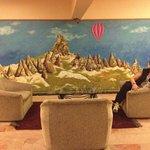 En cada hall hay comodos sillones