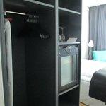 Closet/minibar area