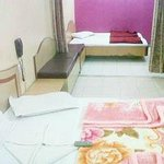 this is a four bed room and can accomodate 4-6 persons