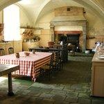 Cuisines aux 200 cuivres dans les sous-sols du château de Serrant (Collection de Serrant)
