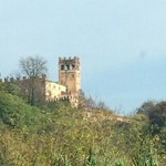 castello visto da lontano