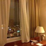 Хорошее оснащение и классный вид из окна.