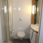 Ibis Dakar - tiny but clean bathroom