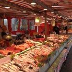 Свежайшая рыба и морепродукты