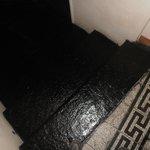 scalini per raggiungere la camera