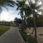 Camino volviendo de la playa al hotel