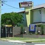 Gordon Motor Inn from the street