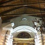 la chiesa al suo interno