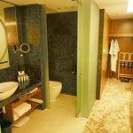 38 Room - Basins & WC