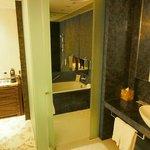38 Room - Shower