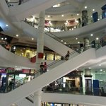 """Einkaufszentrum """"Terminal 21"""" direkt unter dem Hotel"""