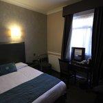 Bedroom 806