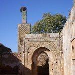 Uno dei portali d'ingresso