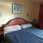 breites Doppelbett