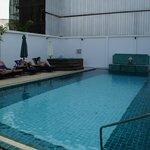 Beetje verouderd zwembad