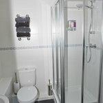 deluxe double en suite shower