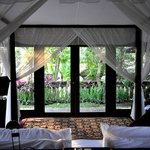 four poster bed in villa