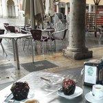 cafe y cupcake en la Lion d'Or