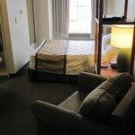 Queen Suite (note tight sqeeze between foot of bed & wall)