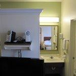 Queen Suite (Room 206)... the bookshelf speakers are mine.