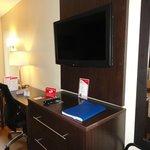 bureau+ tv  dans la chambre