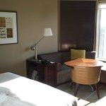 Lounge/Work Desk