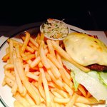 Block House Burger mit Pommes & Krautsalat
