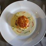 Crevettes d'eau douce grillées en feuilleté, sauce anisée et oranges confites  Grilled freshwate