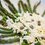 Asparagus, egg and capers
