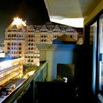 Queen Corner Room  - Balcony View 1