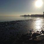 Vista della baia dal parcheggio al mattino (bassa marea)