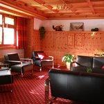 Photo of Hotel Portjengrat
