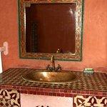 spacieuse salle de bain !